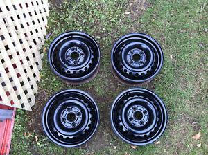 4 x 114.3mm 4 roues 15 pouces