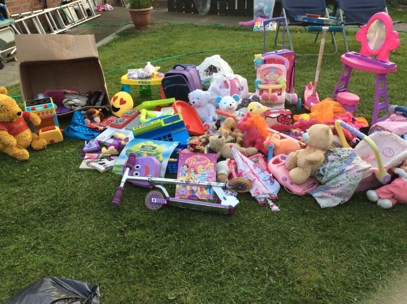 Massive bundle of girls toys and clothes