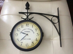 DOUBLE SIDED CLOCK GRAND CENTRAL TERMINAL NEW YORK METAL CLOCK
