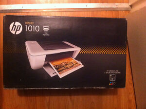 Brand new Sealed HP Prlnter - With Ink