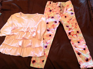 Children's place jeggings excellent cond and top size 4