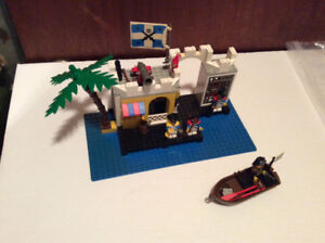 Lego pirates #6267 Lagoon Lock -up