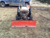 Kubota b7000 4x4 tractor