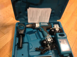 1/2 cordless Mikita drill new in carry case