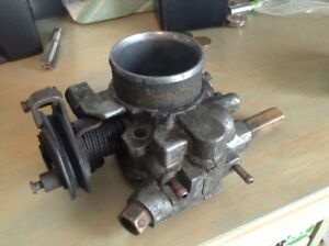Pontiac Fiero throttle body à laver