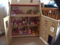 Kids wooden dolls house