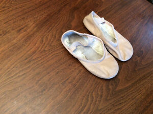Leather Bloch ballet slippers size 10.5