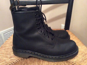 Dr. Martens Boots Black Leather Yellow Stitch USA 8 Men's/ 9 wom
