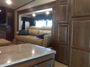 Jayco pinnacle 38' vacation travel trailer 5th wheel Moose Jaw Regina Area image 4