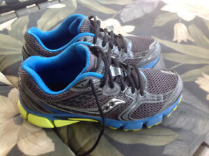 Mens Saucony Running Shoes Size 9