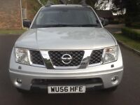 Nissan Navara 2.5 DCI Outlaw Double Cab Pickup