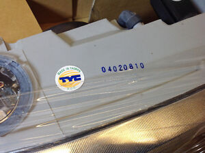 **NEW IN BOX** 1999 - 2004 Alero headlight assembly TYC 20-5673 Cambridge Kitchener Area image 5