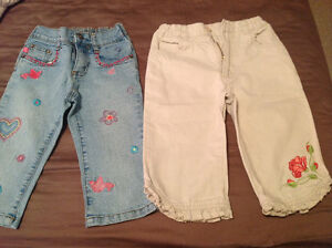 Reduced!! 2 pairs of capris size 4T