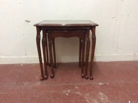 Mahogany nest of tables with Queen Anne legs
