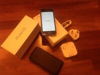 iPhone 5s 16Gb - with original box and in excellent condition.