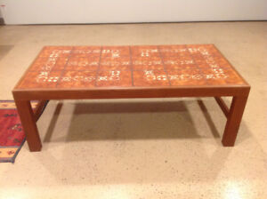 coffee table and 1 end table forsale