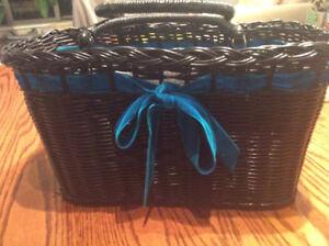 Anna Sui basket purse