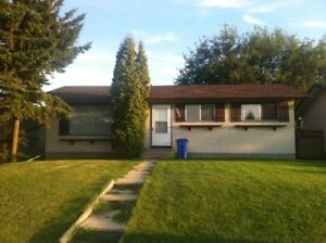 5 Bedroom / 2 Bath House for Rent in Wetaskiwin