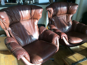 2 Brown leather swivel chairs - Liverpool