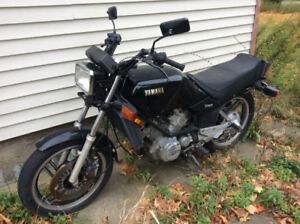 1982 Yamaha 550 vision $1000