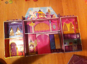 MLP castle and ponies