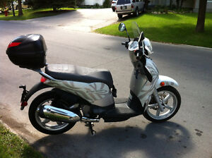 SALE or TRADE - 2010 Aprilia Scarabeo 200 sport scooter