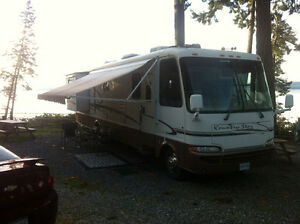 2002 NEWMAR KOUNTRY STAR 37' MOTOR HOME