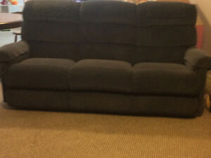 Recliner Couch - Great for Home Theatre