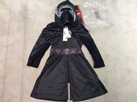 ** BRAND NEW with Tags Star Wars Kylo Ren Dress Up (Age 5-6 years) ***