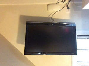 """Sharp Aquos 32"""" with wall mount"""