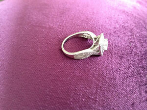 19k white gold .45ct diamond engagement ring  size 6.5