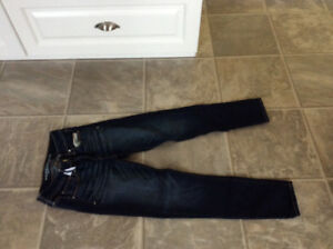 Girl American eagle jean, like new, smoke free home size 2,