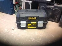 """STANLEY FATMAX 18"""" CANTILEVER TOOL BOX"""