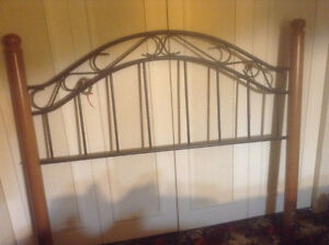 Headboard for double bed - Wood/Rod Iron - Very good condition
