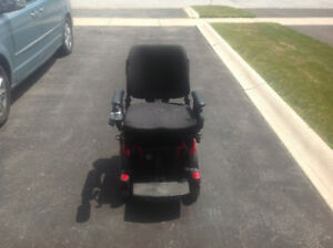 Quantum 600 Power Wheelchair