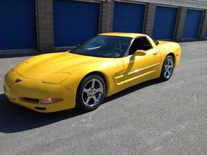 2001 Chevrolet Corvette Coupe (2 door)