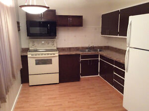 Bright 2 Bedroom, Country Setting