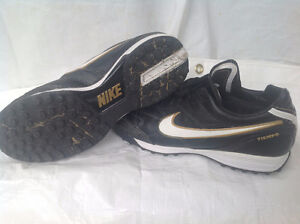 NIKE TIEMPO turf cleats; Leather; Size 9.5
