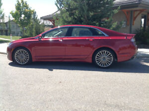 2013 Lincoln MKZ, AWD Very Low Mileage