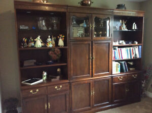 THOMASVILLE LARGE LIGHTED WALL UNIT .CANADIAN MADE