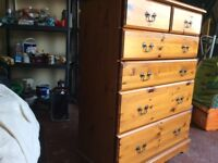 Antique style chest of drawers.