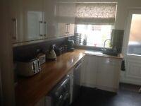 Howdens Cream Kitchen units & appliances