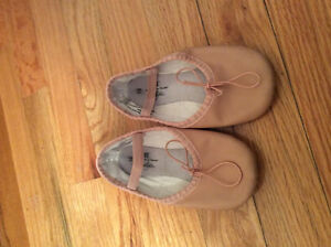 Ballet shoes size 10 toddler