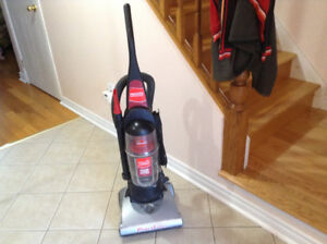 Upright vacuum ( bagless)