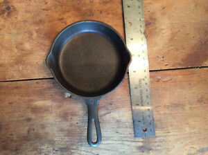 "ANTIQUE GRISWOLD #0 CAST IRON 4"" SKILLET"