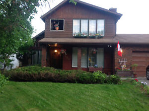 Beautiful Home on Greenbelt in Thickwood