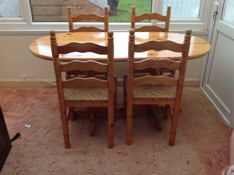 solid pine dining table with 4 matching chairs farmhouse country pine