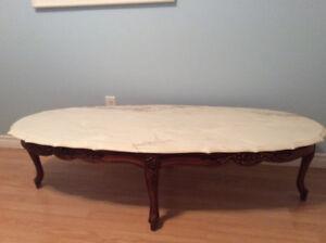 Table à café bois massif et marbre