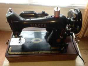 Black beauty Singer sewing machine w/case, Model 99K
