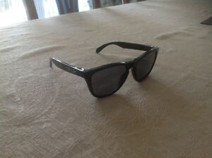 Oakley frogskins POLARIZED sunglasses!!!